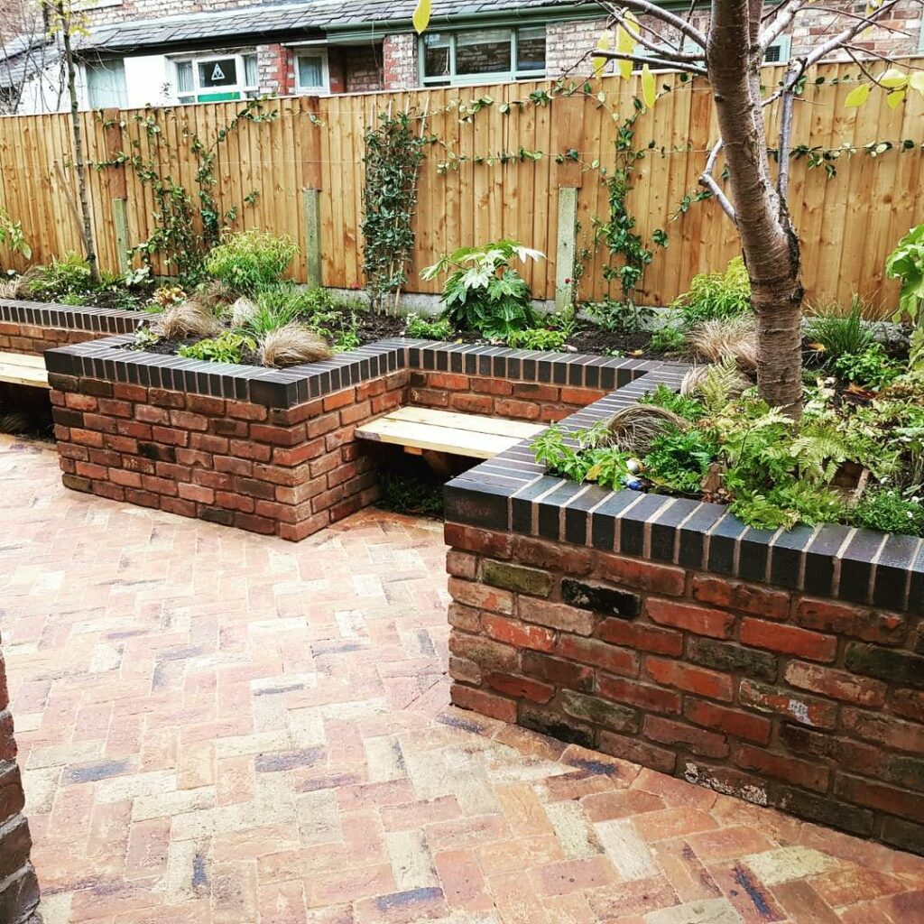Our Cotswold Blend of facing bricks add instant luxury to garden design.